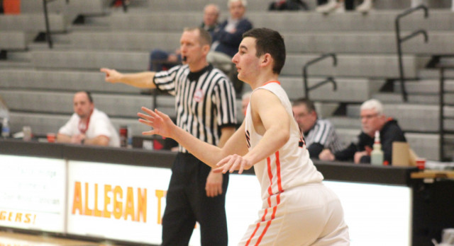 Boys Basketball: Tigers fall to Redskins