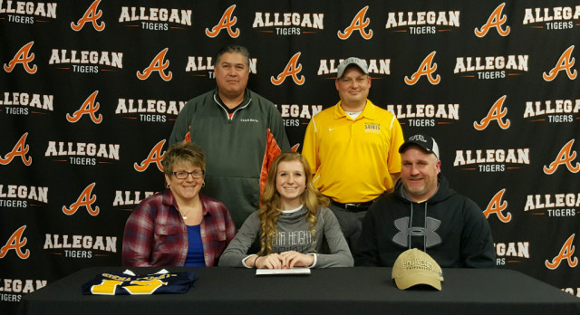 Girls Soccer: Curtiss signs with Siena Heights