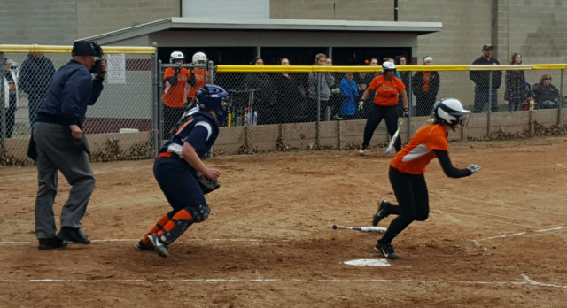 Softball: Tigers fall to Gobles in opener
