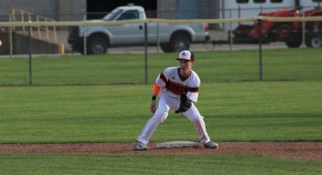 Baseball: Tigers fall to Edwardsburg
