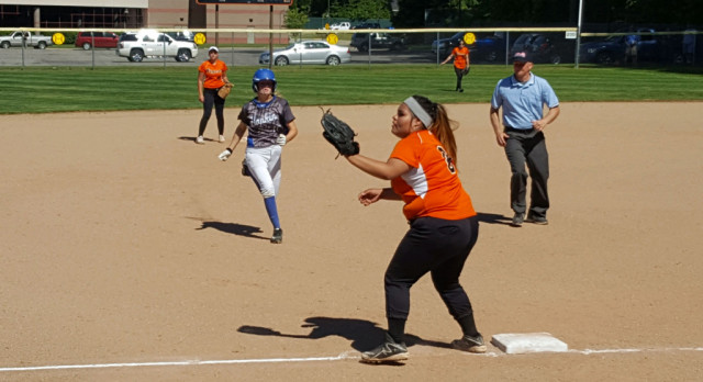 Softball: Tigers fall to Hopkins