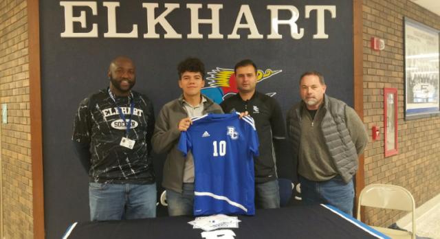 Javier Vera Signs with Bethel