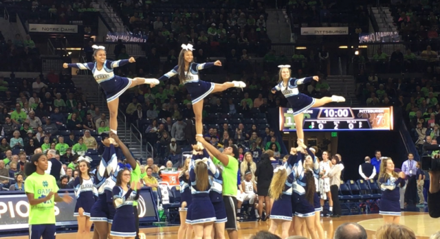 Cheerleaders and Pep Band perform at Notre Dame