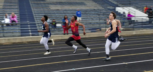 Boys Track cruises to City Title