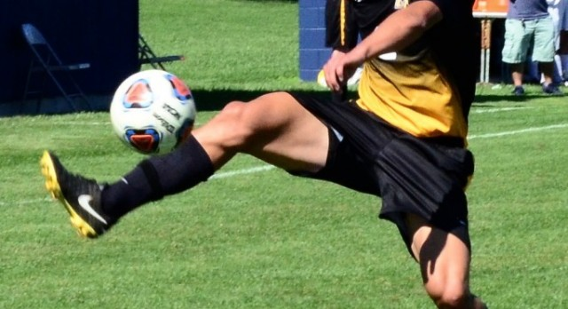 Pilgrims Prevail Against Valley Lutheran