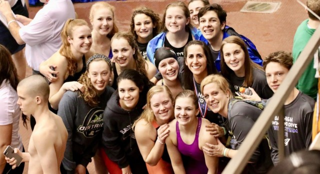 Swimmers and Diver Qualify for States!