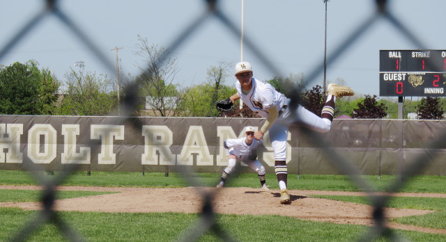 Holt Baseball Reaches Diamond Classic Semi-finals