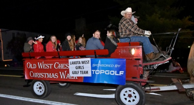 Lakota West Girls Golf Team Members Serve as Grand Marshal of West Chester Christmas Parade
