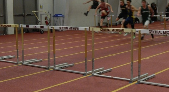 Barnwell breaks record in 300m hurdles