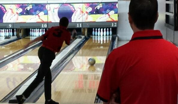 Bowling Team Loses Hard-Fought Battles