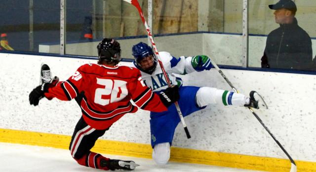 Boys Hockey Earns a Split on the Road