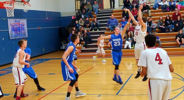 Boys Basketball Wraps Up Regular Season