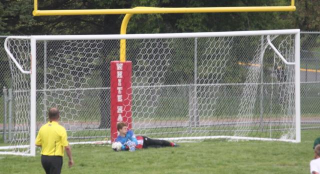 Boys Soccer Starts Perfect in New Season