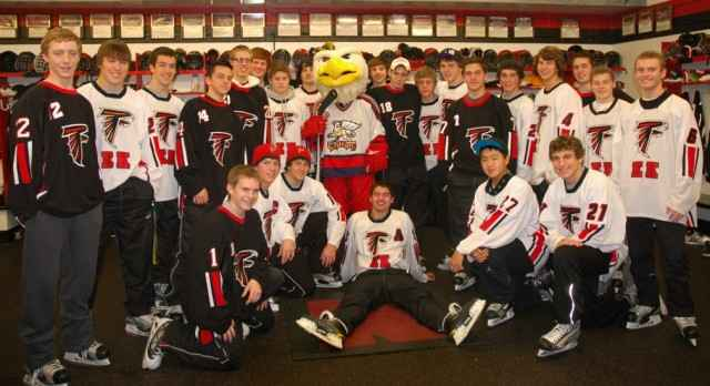 EK's Varsity Hockey Team Had a Successful Weekend in Traverse City