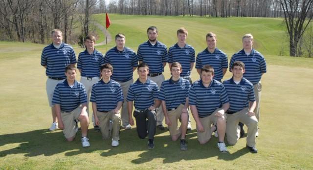 FCHS Boys Golf Team Qualifies for Regional