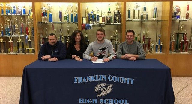 Alex Ripperger signs with UINDY!