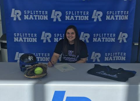 Kendra Kerner Signs with University of Mount Union!