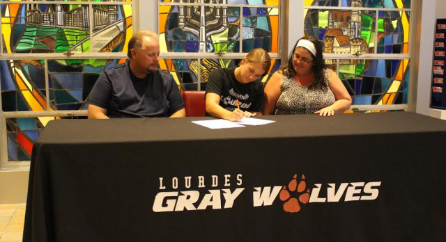 Kim Waters Signs with Lourdes University!