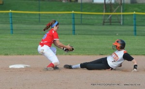 Sydney Santaguida tags out a runner at second!