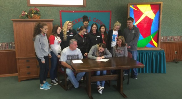 Dardio Signs with UNOH