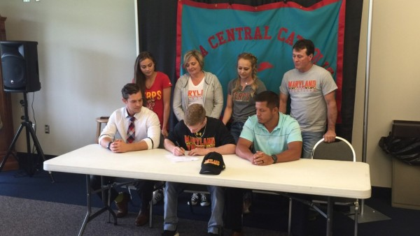 Hunter Lucas signs his letter of intent to wrestle at Maryland