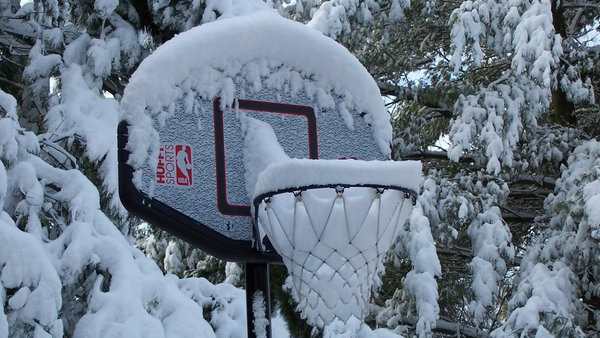 6cd47e3a697c07e8-Winter_Basketball_by_wolfgrl14921