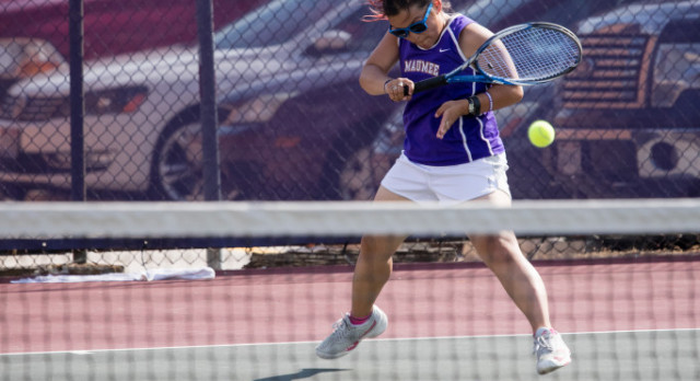 Maumee Girls Varsity Tennis beat Woodward High School 5-0