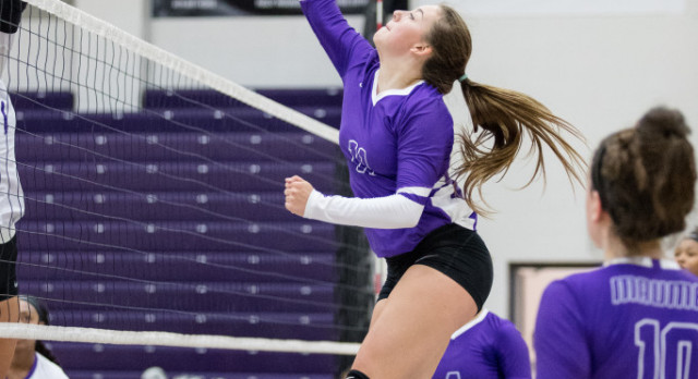 Maumee Varsity Volleyball falls to Swanton 3-0