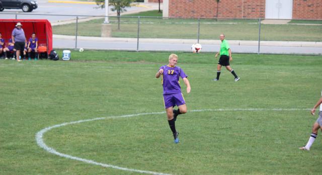 Maumee High School Varsity Soccer beat Bowling Green 3-2