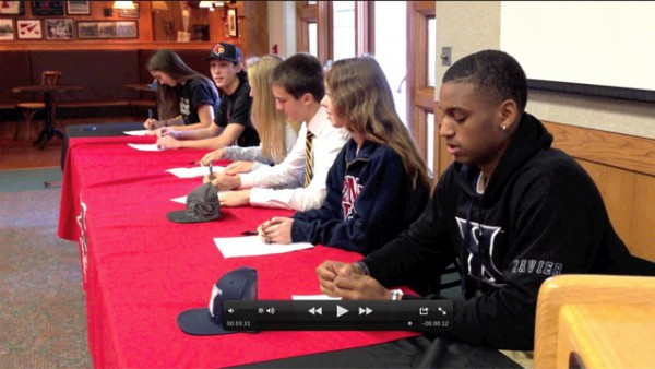Seniors Sign Letters for College Sports