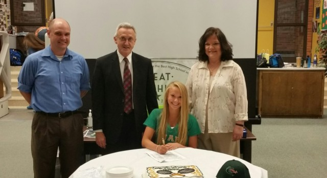 McKenna Root Signs with UAB Tennis