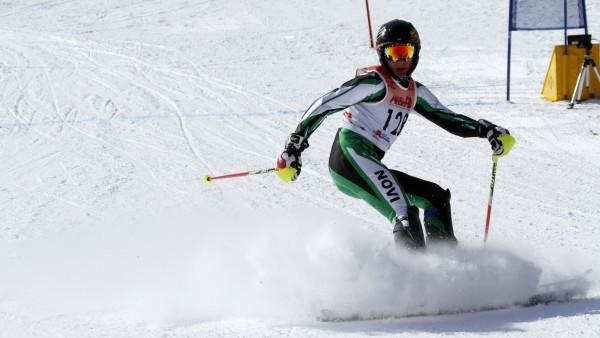 sports_winter_ski_varisty_zheng2