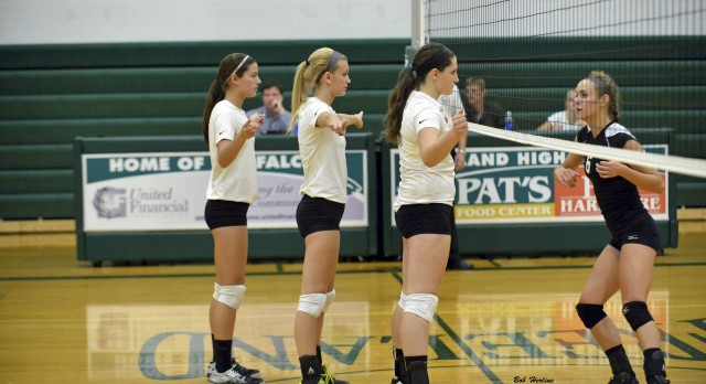 Varsity Volleyball Defeats St. Charles