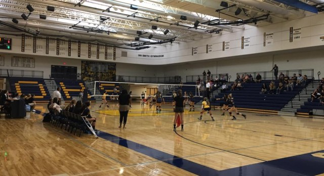 Oxford High School Girls Varsity Volleyball beat Harrison High School 3-0