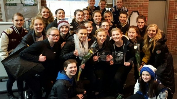 Hartland (MI) United States  city photo : Hartland Figure Skaters on the way to States Hartland Eagles ...