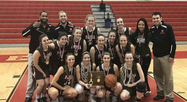 Girls Basketball Cruises past EC; Claims 6th District Title in Program History