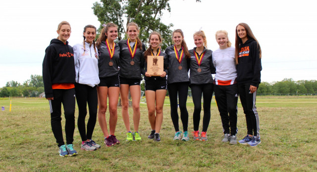 Girls Victorious and Reclaim Title, Boys Finish 8th at Avon Lake Early Bird Invitational
