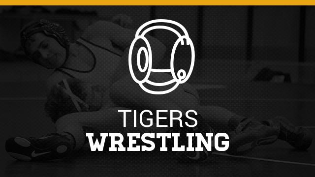 FHS Wrestling Wins Three of Five Over the Weekend