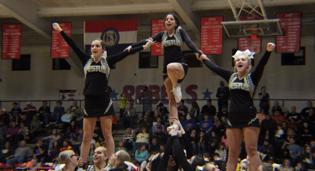 Cheerleaders Get New Year Off to a Great Start