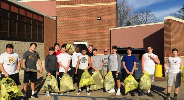 Festus Football Gives Back by Cleaning Stretch of Highway A