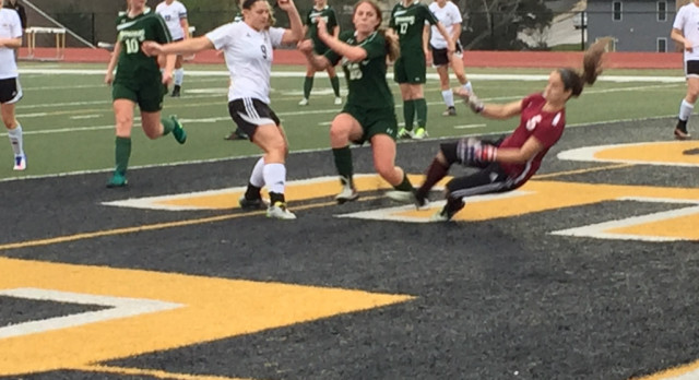 Varsity Girls Soccer has Big Second Half in Victory Over DeSoto
