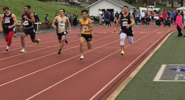 Varsity Boys Track Team Takes Third at Early Bird