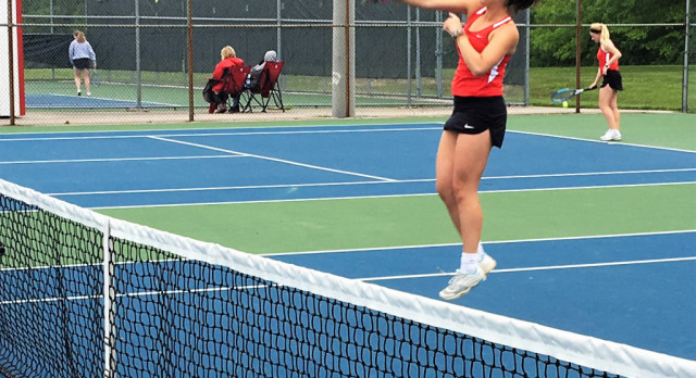Tennis sweeps Shelbyville