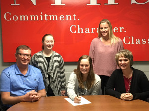 Senior Mackenzi Black signs her letter of intent to play golf at Fort Wayne.