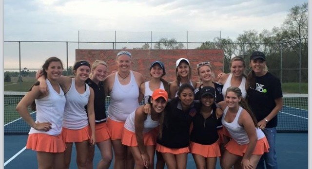 Lady Eddies tennis team qualifies for state tournament