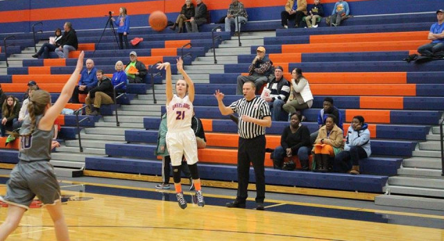 Savannah Dixon scores 1,000th career point