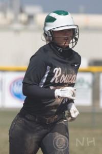 Lindsey Wilson 3 softball S Laurel NH