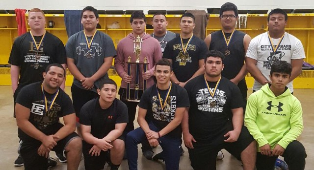 Boys Powerlifting Prepping for Regionals with New Personal Records