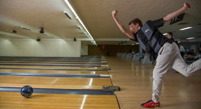 Boys Bowling Closes Out Regular Season With Win