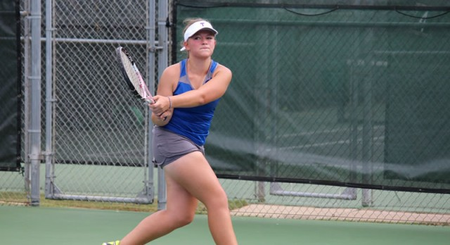Wildcats top University 18-1 in team tennis